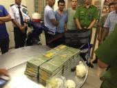 Phá đường dây ma túy xuyên biên giới, thu giữ 179 bánh heroin