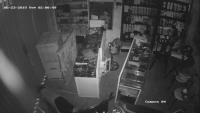 Soi camera, bắt được tên trộm hàng chục chiếc điện thoại