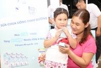 Sữa chua uống dinh dưỡng Nestlé YOGU có chứa tổ yến & Sữa NESVITA 5 loại Đậu