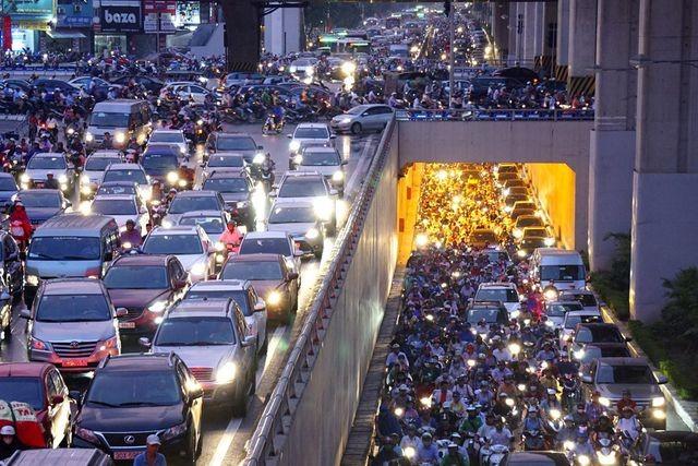 Dân số Việt Nam đạt ngưỡng 96 triệu dân: Câu chuyện của hiện tại và tương lai