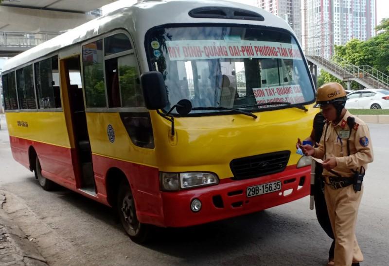 Xe khách giả danh xe buýt: Lỗ hổng trong quản lý?