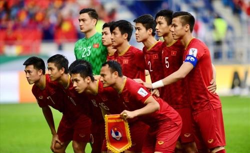 Vì hai đội bóng lạ, Việt Nam bị tụt 1 bậc trên BXH FIFA tháng 7