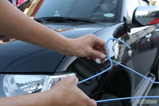 Quên chìa khóa bên trong ô tô, làm sao để xử lý?