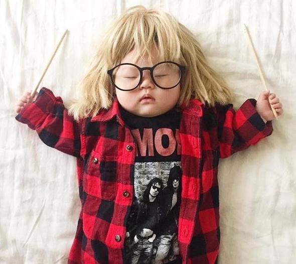 Thích thú với bộ ảnh cosplay của cô bé 4 tháng tuổi