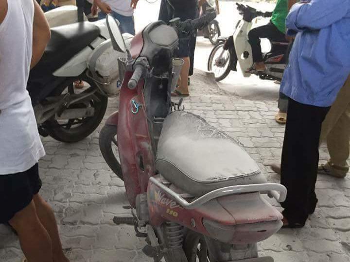 Bị tạm giữ phương tiện, thanh niên châm lửa đốt xe máy
