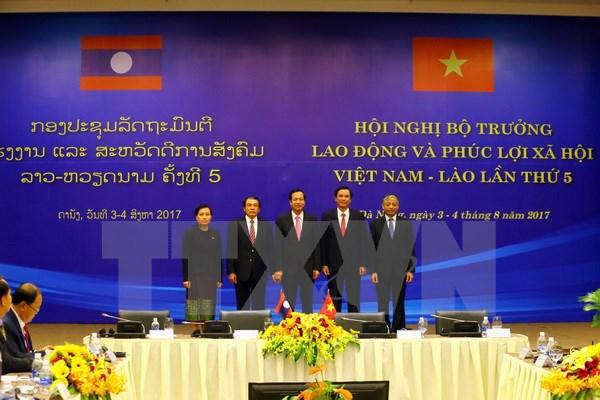 Việt Nam-Lào tăng cường hợp tác về lao động, phúc lợi xã hội