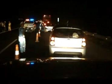 Băng ngang cao tốc, một người bị ô tô cán tử vong