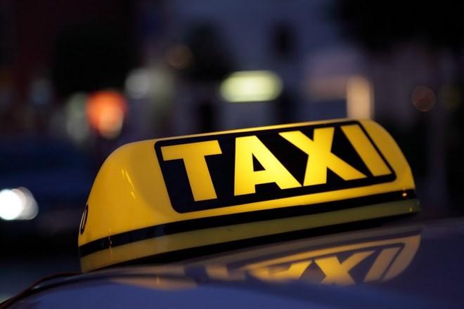 Hà Nội: Truy bắt nhóm đối tượng đâm tài xế, cướp xe taxi ở Ba Vì