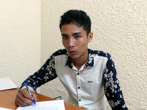 Hà Nội: Rủ nhau đi cướp taxi rồi vứt xe trên vỉa hè