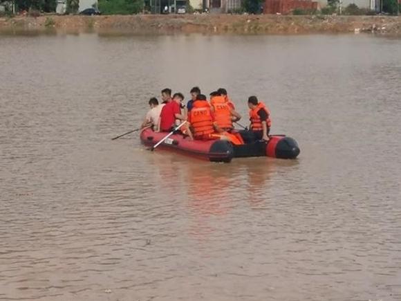 Đã tìm thấy thi thể học sinh rơi xuống cống bị nước cuốn trôi