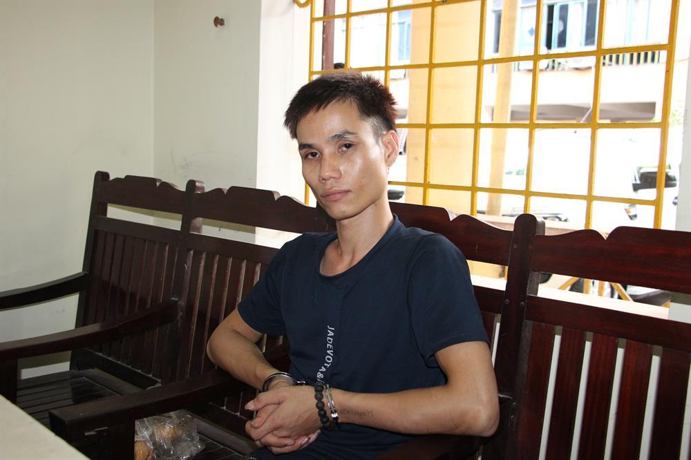 Bắt quả tang 2 đối tượng mang 1,2 kg ma túy đá vào Nghệ An tiêu thụ