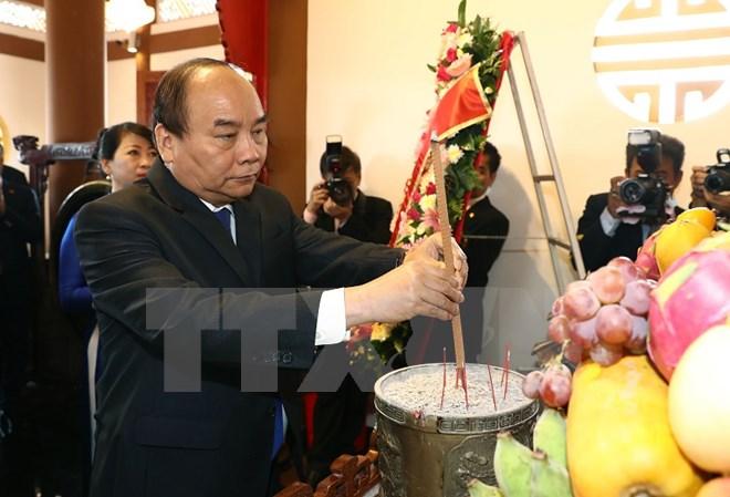 thu tuong nguyen xuan phuc dang huong tuong nho bac ho tai thai lan