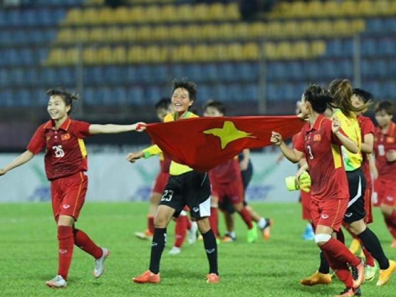 Cư dân mạng xúc động với bài thơ tặng ĐT bóng đá nữ Việt Nam