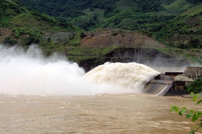 Thông tin mới về việc mở cửa xả đáy hồ thủy điện Sơn La và Hòa Bình