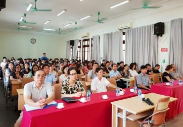 Gần 200 cán bộ được tập huấn nghiệp vụ công tác công đoàn