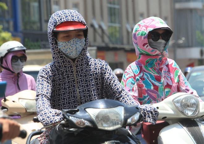 Đầu tuần, nắng nóng bao trùm cả nước, Hà Nội 36 độ C