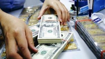 Giá vàng, USD đồng loạt lao dốc ngày đầu tuần