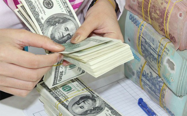 """Khoảng 1,3 triệu tỷ đồng đang """"găm"""" trong dân: Huy động cho nền kinh tế ra sao?"""
