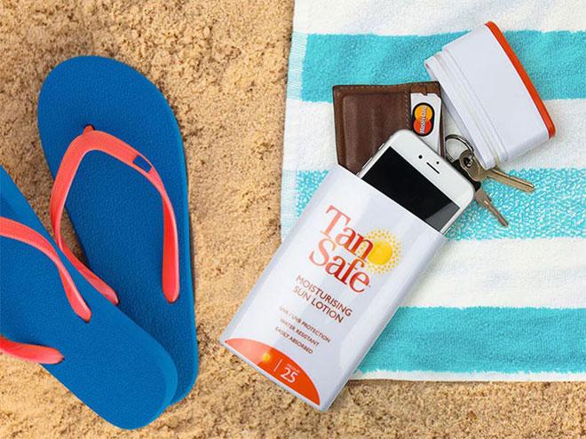 5 đồ chơi đưa điện thoại cùng chủ nhân đi tắm biển
