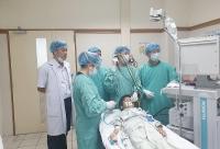 Huế: Lấy thành công mảnh xương cá găm trong phổi bệnh nhi Lào