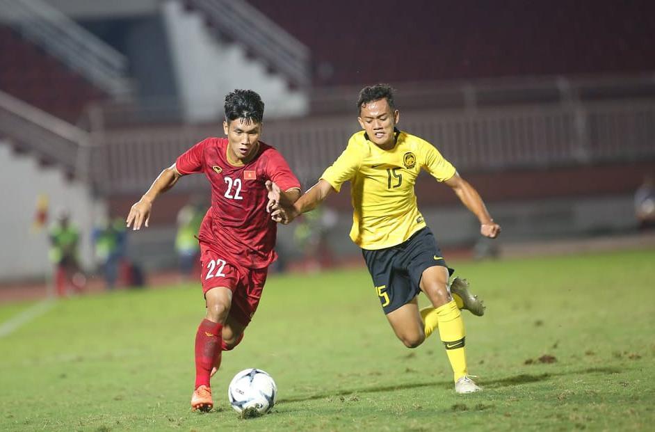 U18 Việt Nam chiến thắng Malaysia nhờ vào bàn thắng khó tin