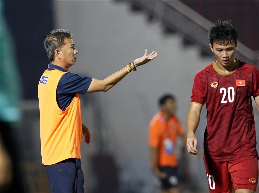 U18 Việt Nam thua Campuchia có phải do huấn luyện viên?