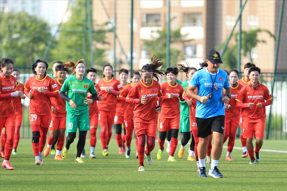 Tuyển nữ Việt Nam chuẩn bị cho giấc mơ Women's World Cup 2023
