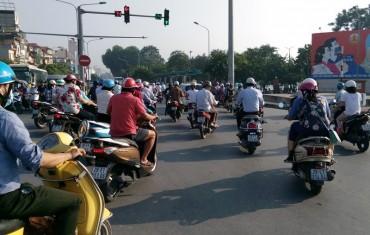 Đề xuất cấm xe máy vào nội đô: Nên tính tới nhu cầu của người dân