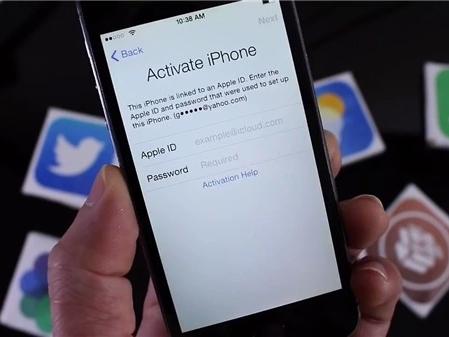 Trộm iPhone, giả danh cảnh sát lừa chiếm nốt tài khoản iCloud
