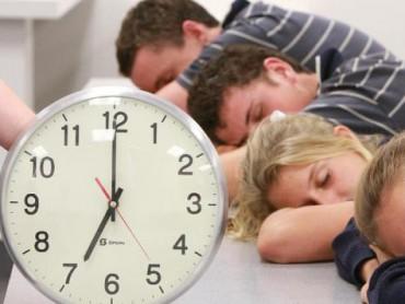 Vì sao học sinh trung học nên bắt đầu học vào 8h30 sáng?