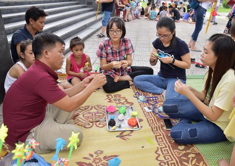 Bảo tồn trò chơi dân gian truyền thống: Trách nhiệm của cả cộng đồng