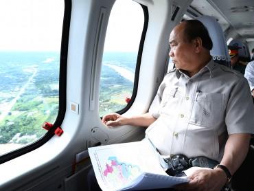 Thủ tướng thị sát ảnh hưởng biến đổi khí hậu Đồng bằng sông Cửu Long
