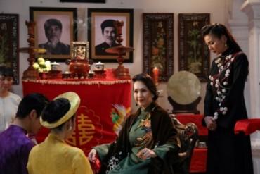 Thanh Hằng hóa mẹ chồng đầy thủ đoạn trong phim mới