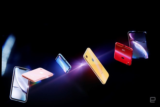 Cận cảnh iPhone XR 2 sim, 6 màu, giá từ 17 triệu đồng