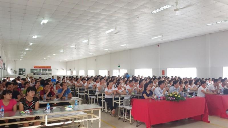 Tuyên truyền về chính sách BHXH tới công nhân khu nhà trọ
