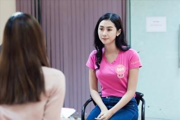 Bất ngờ khả năng nói tiếng Anh của thí sinh Hoa hậu Việt Nam 2018