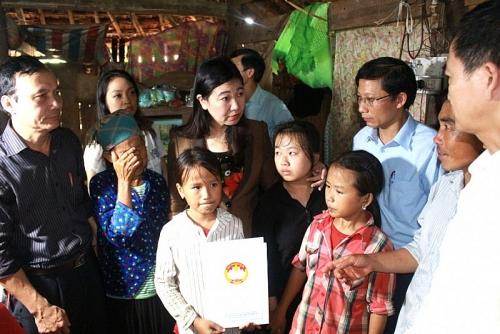 Hỗ trợ 100 triệu đồng cho tỉnh Tuyên Quang khắc phục hậu quả mưa lũ