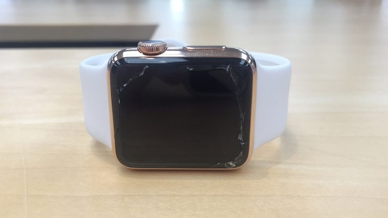 apple watch nut man hinh se duoc thay the mien phi