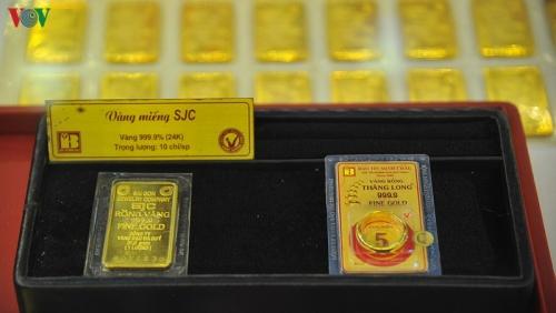 Giá vàng trong nước và thế giới tăng mạnh, chỉ chênh 40.000 đồng/lượng