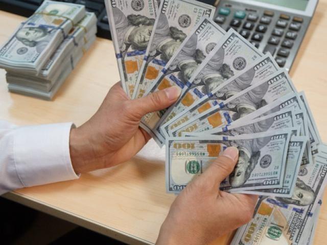 Tỷ giá ngoại tệ 28/9: Tỷ giá trung tâm lập đỉnh, USD tăng không ngừng