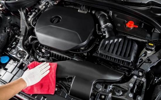 Những cách vệ sinh khoang máy ôtô hiệu quả và an toàn