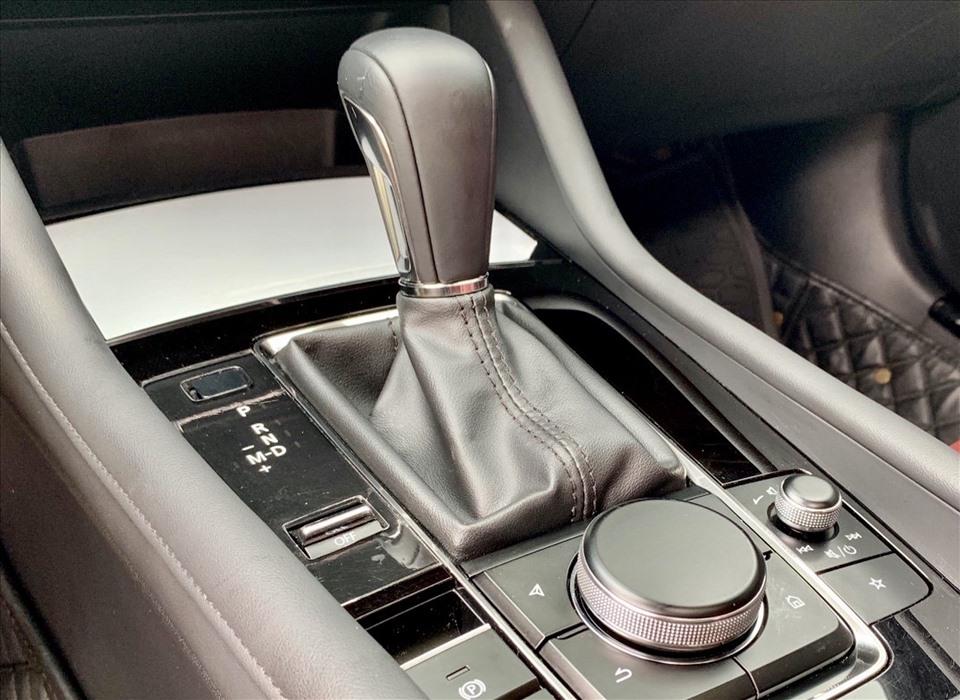 Thực hư việc về số N khi dừng đỗ xe giúp tiết kiệm xăng