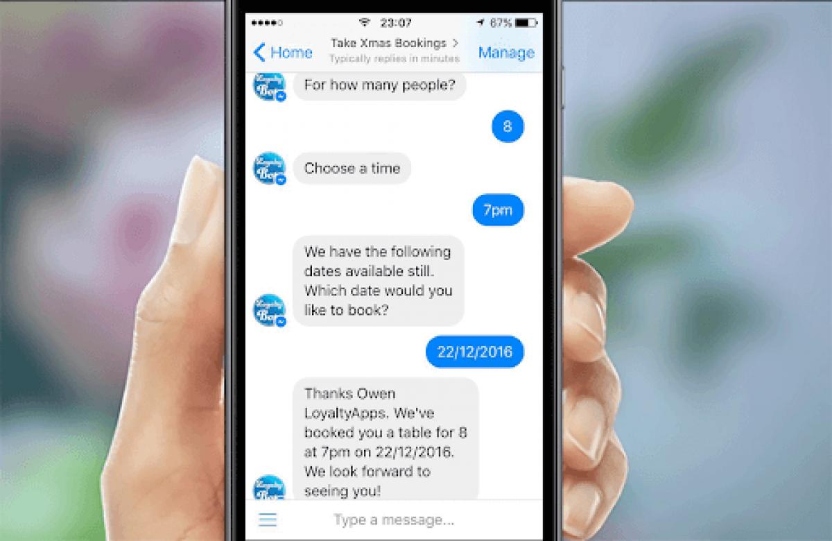 Chatbot phục vụ khách hàng nhanh chóng và 24/24. Ảnh: softwarefirms.co