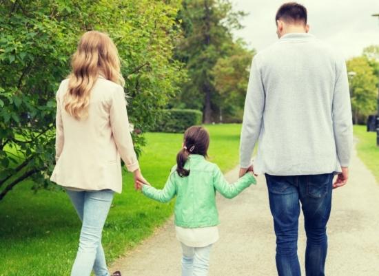 """4 điều cha mẹ nên sớm """"đầu tư"""" cho con trẻ"""