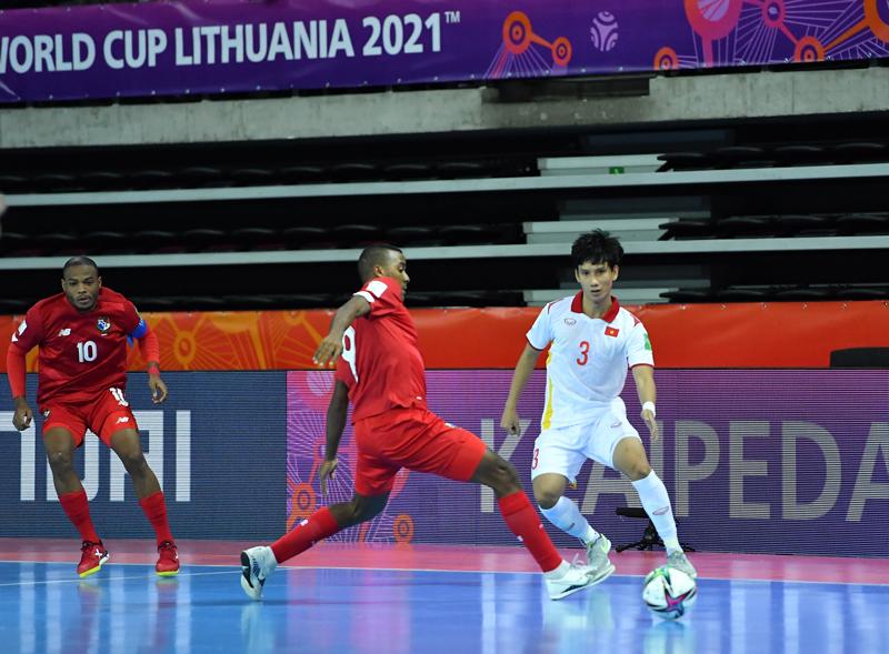 Futsal Việt Nam hạ Panama trong trận cầu không dành cho người yếu tim