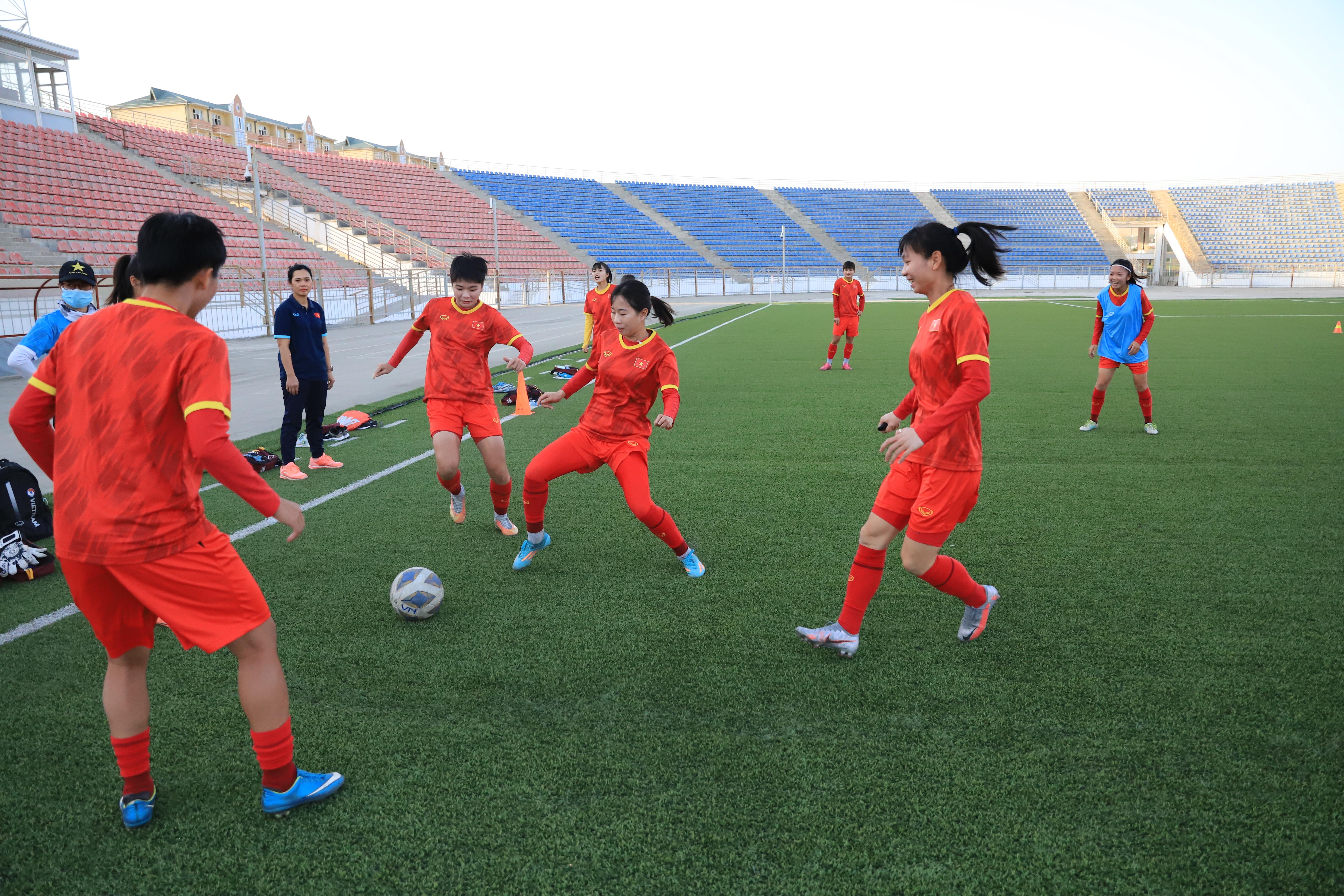 Tuyển bóng đá nữ Việt Nam cần hòa Tajikistan để khởi đầu cho giấc mơ World Cup