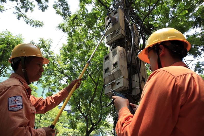 Cần đảm bảo quyền lợi người mua điện