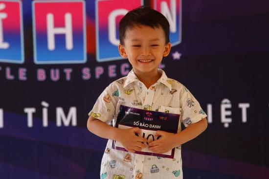 'Thần đồng bolero' 4 tuổi 'gây sốt' ở vòng casting Biệt tài tí hon
