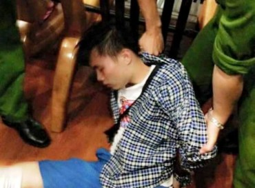 Bé gái 6 tuổi thoát chết ngoạn mục khỏi lưỡi dao của kẻ cướp táo tợn