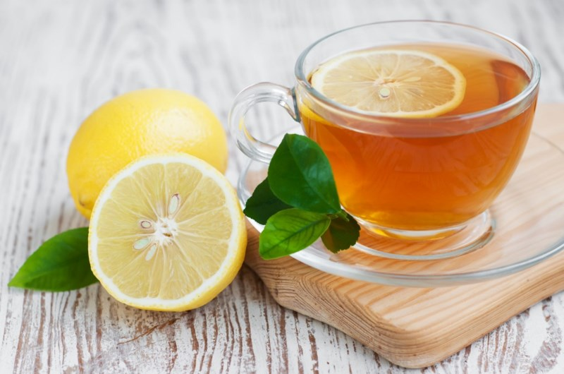 Uống nước chanh ấm có loại được độc tố?